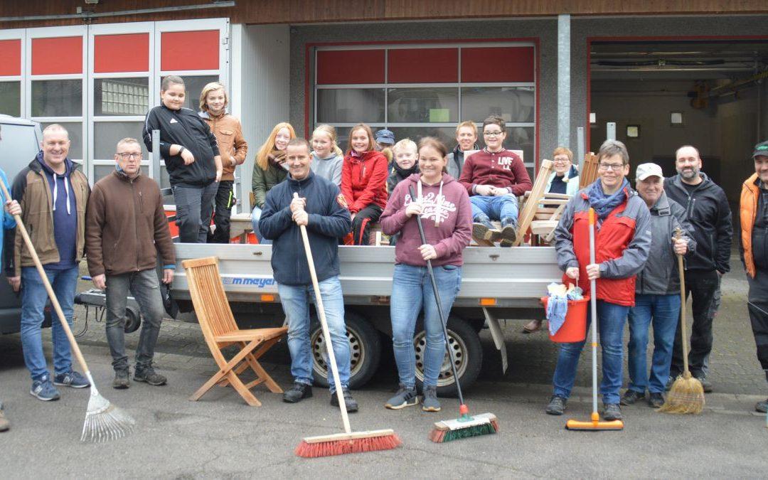 Rat beschließt Förderantrag für Dorfhaus Helden
