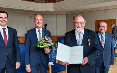 Bundesverdienstkreuz für Hartmut Hosenfeld